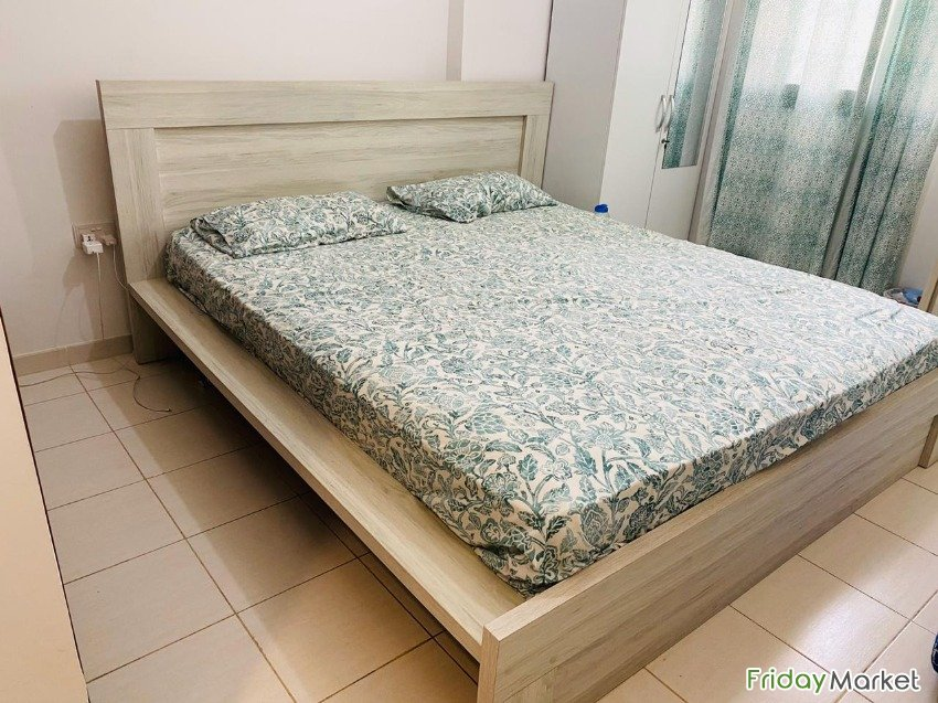 King Size Bed Prefect Condition Abu Dhabi UAE